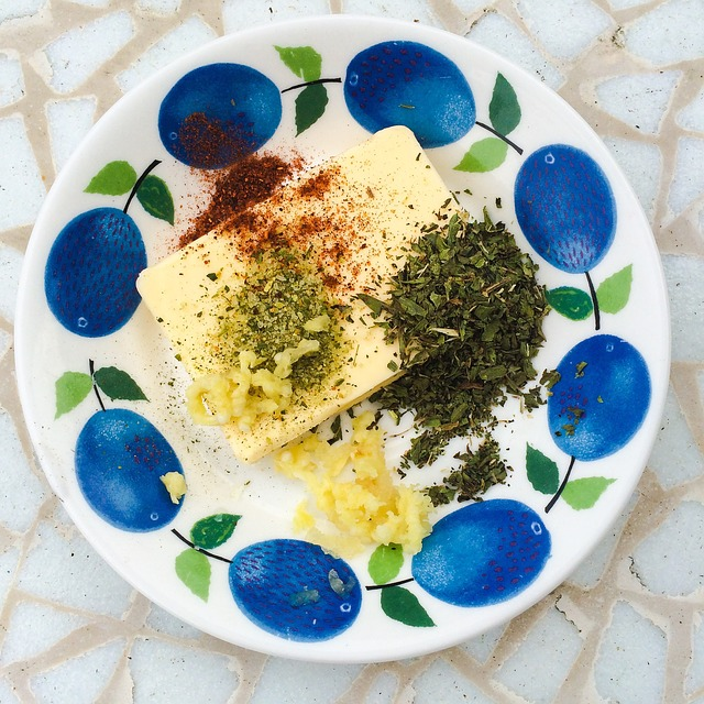 7-4. herb-butter-824628_640
